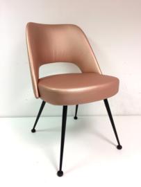 Retro jaren 70 stoel metallic roze