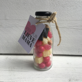 Glazen flesje gevuld met  oud hollands snoep & minikaartje