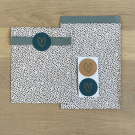 2 kadozakjes 17x25 cm (A5) inclusief sticker gouden hartje
