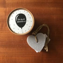 Doosje met hart zeep: van harte gefeliciteerd