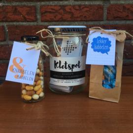 Kerst pakket: kletspot (naar keuze), knabbelen en babbelen