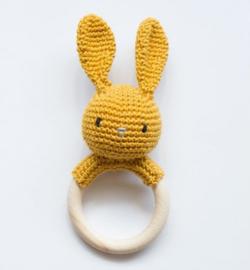 Rammelaar/bijtring  konijn, oker geel