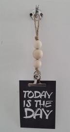 kaarten/poster hanger, 3 naturel houten kralen, grote klem