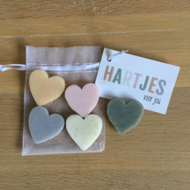 5 x hartjes zeep in een zakje incl kaartje naar keuze