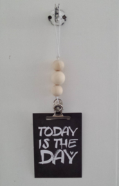 Kaarten/poster hanger wit, 3 houten kralen