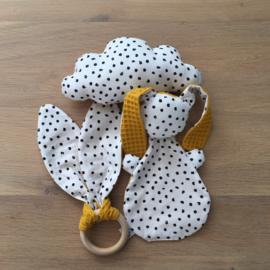 Knijntje, wit met zwarte stippen & oker geel