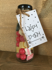 Glazen flesje gevuld met  oud Hollands snoep & minikaartje Happy b-day