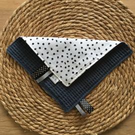 Labeldoekje  stippen en jeans blauwe achterkant