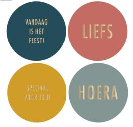 4 kado stickers, ⌀ 55 mm: feest, liefs, speciaal voor jou, hoera!
