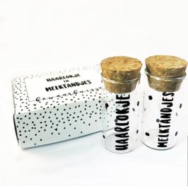 Haarlokje & melktandjes buisjes in  kado-verpakking