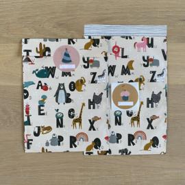 2 kadozakjes 17x25 cm (A5) inclusief 3 stickers, alfabet