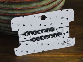 2 armbandjes: blondie & brownie