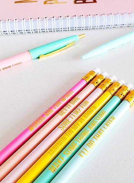 6 gekleurde potloden met tekst