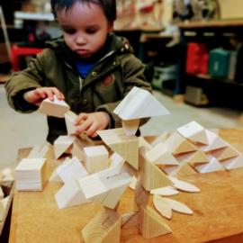 Restplezier houten driehoekjes