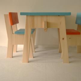 Showmodel setje Pippi (tafeltje met stoeltjes)