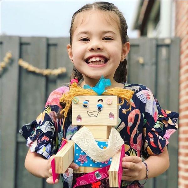 idee kinderfeestje thuis houten robot