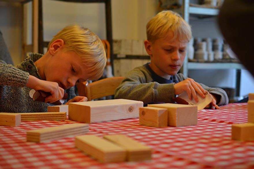 idee kinderfeestje houten robots bouwpakket