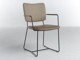 Bert Plantagie Kiki stoel met open arm K21