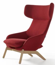 Artifort fauteuil Kalm 4 poot hout by Patrick Norguet 2015
