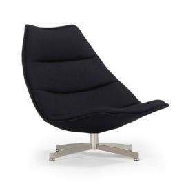 Artifort fauteuil F586 hoog draaibaar en met kruisvoet