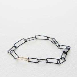 Armband zwarte schakels - Nolda Vrielink