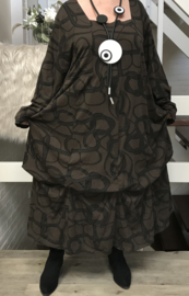 ITALIA tricot katoen A-lijn jurk met verstelbare plooien chocoladebruin