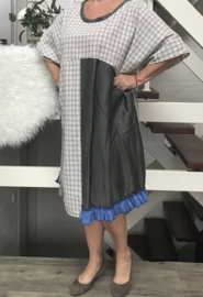 Ninka  oversized A-lijn jurk apart (extra groot)
