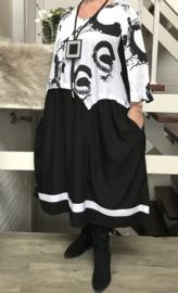 SINNE design.. A-lijn viscose jurk zwart/wit