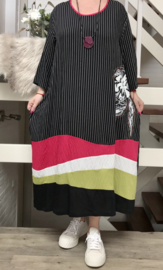 Zedd Plus A-lijn strepen jurk met ketting zwart