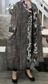 Adalina oversized chiffon A-lijn blazer  (extra groot)  apart