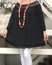 ITALIA oversized katoen blouse met kant zwart