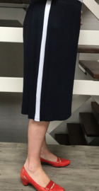 Ophilia slim viscose sportieve rok met bies donkerblauw