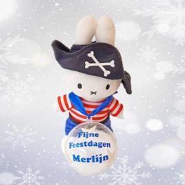 Nijntje piraat met kerstbal