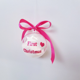 Kerstbal first Christmas roze