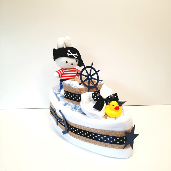Luiertaart Nijntje piratenboot