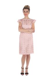 Haer Dress 11 - Recht licht getailleerd jurkje in poederroze