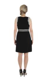 Haer Party 3 -  Getailleerd jurkje in zwart met off white