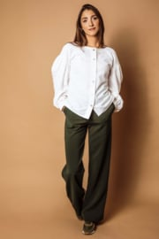 Haer pant 3 - Bandplooi pantalon met steekzakken in flessegroen