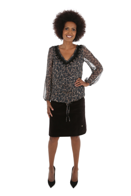 Haer Top 6 - V-hals blouse in chiffon in luipaardprint