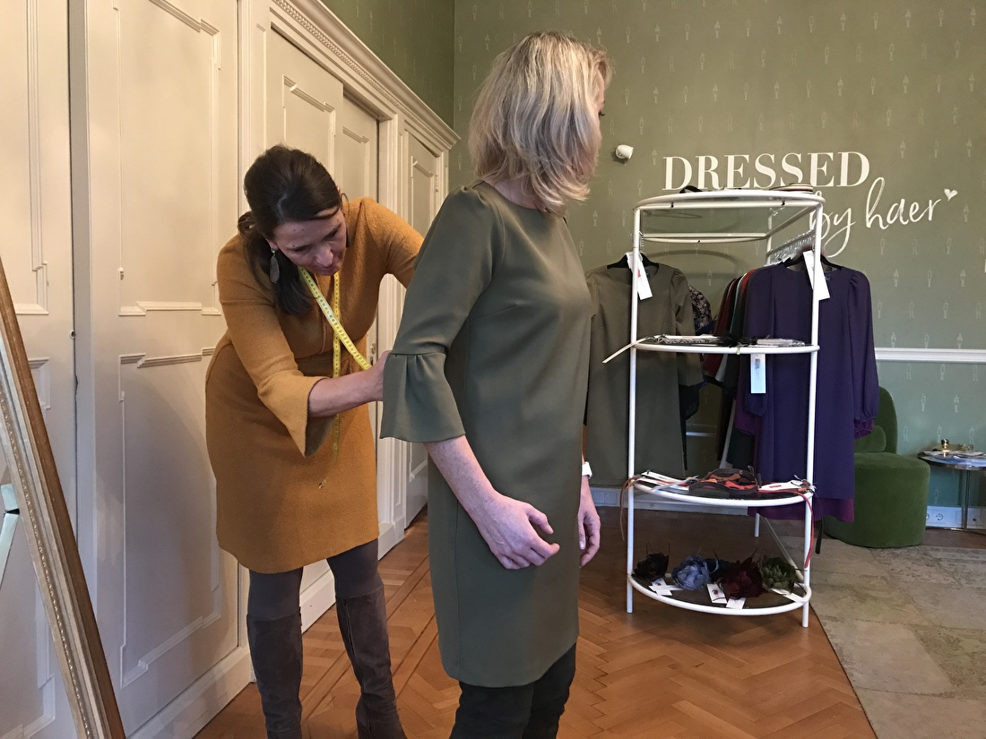 behind the scene in de dressroom van Dressed by haer