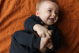 LEVV newborn LEVI broekje dark blue