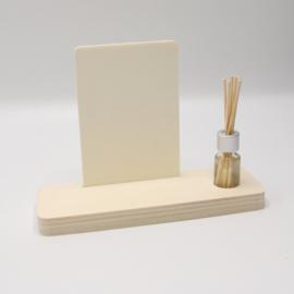 plankje rechthoek met mini parfumflesje