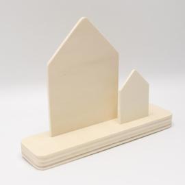 plankje met twee huisjes