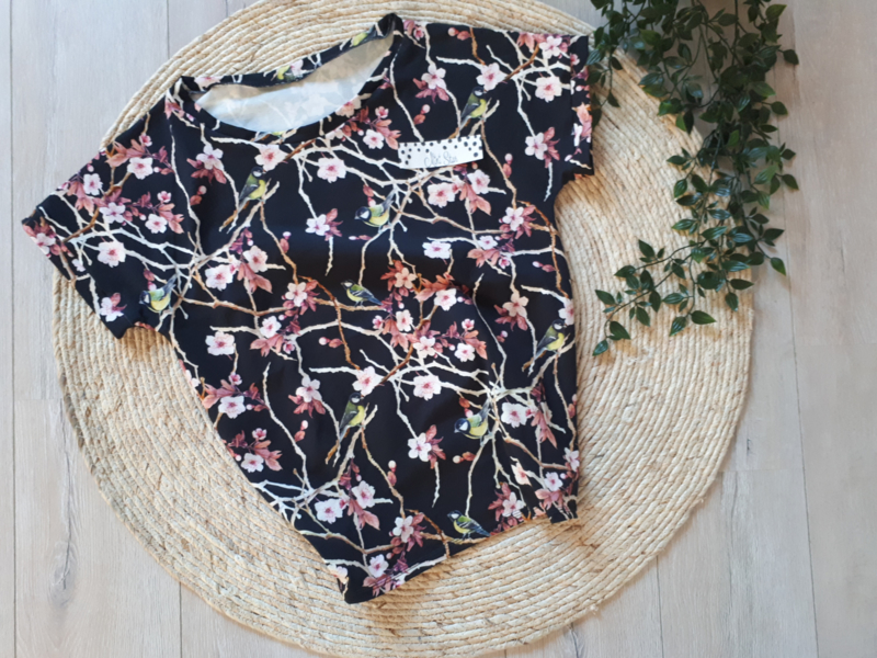 dames shirt chinese birds and blossem