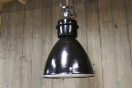 Zwarte industriële lampen