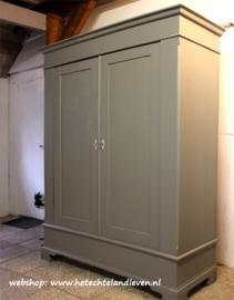 Verkocht/ Oude kast demontabel / 4206