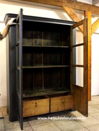 Geweldige Oude Apothekerskast in de kast 2 x grote lade . 4282