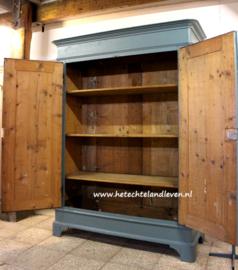 Verkocht / Demontabele kast met ronde hoeken / incl. planken /4147