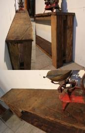 Handmade: Oud Eiken side table met boomblad 2 meter lang  0102