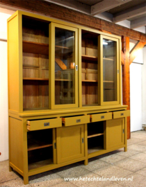 Verkocht / Schoolkast vitrine / schuifdeuren / e 1417